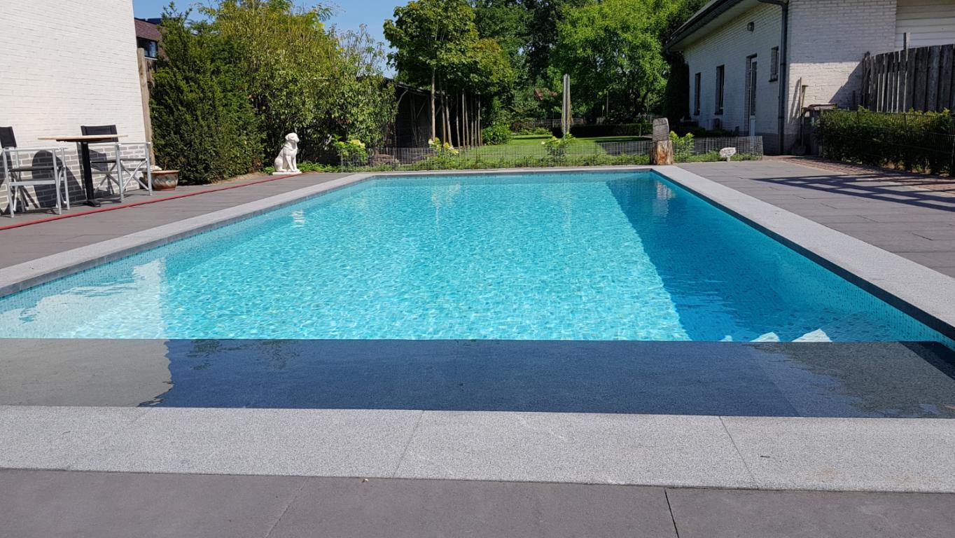 Zwembad aanleggen free inbouw in epoxy vinylester of for Polyester zwembad plaatsen